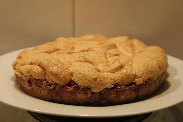 бісквітний торт з яблуками
