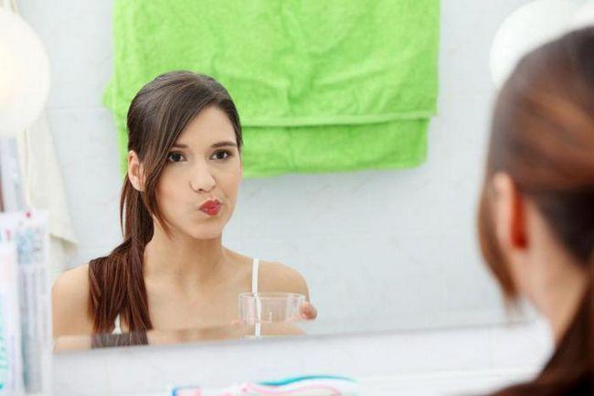 Фото - Полоскання маслом - дивовижний спосіб природно відбілити зуби