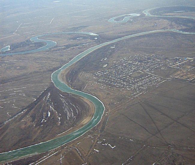 річка розділяє Європу та Азію