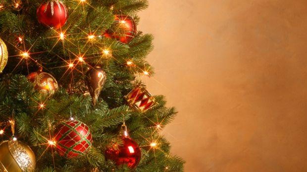 звідки з`явилася традиція наряджати ялинку на новий рік